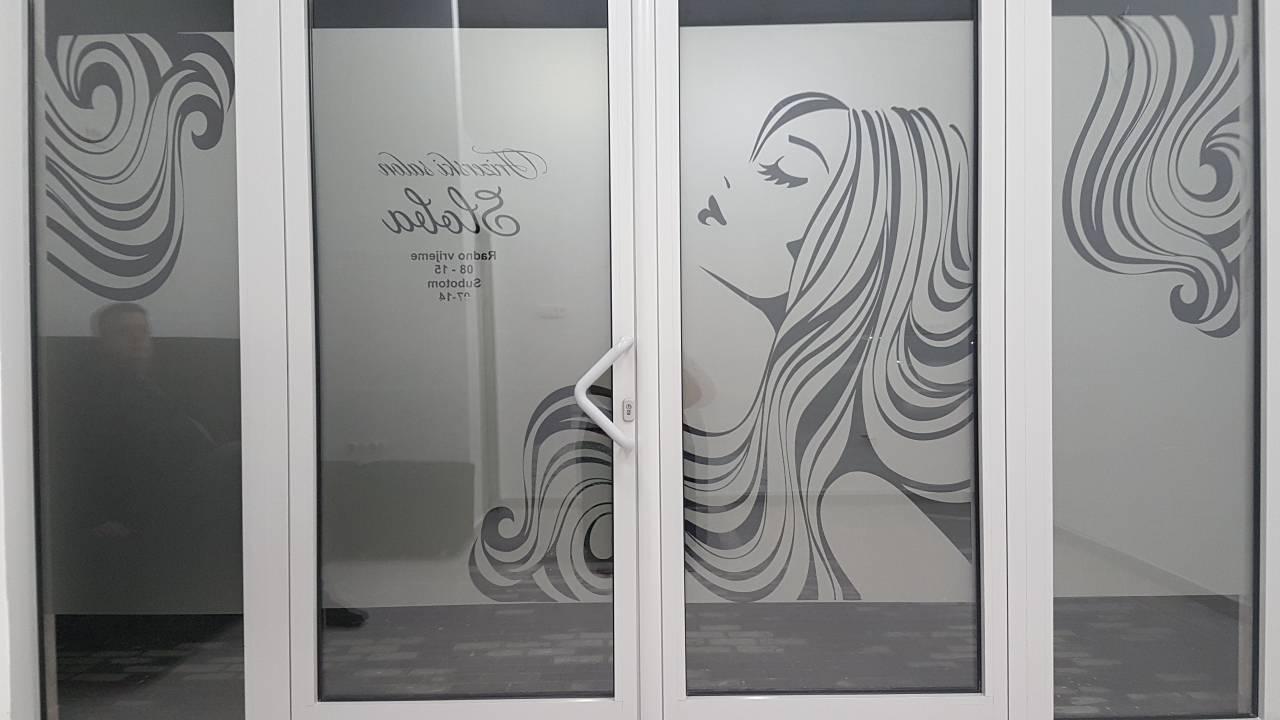 frizer-prozori
